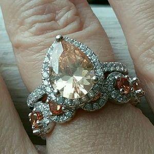 Jewelry - Jeulia Champagne Sapphire Wedding Ring Set